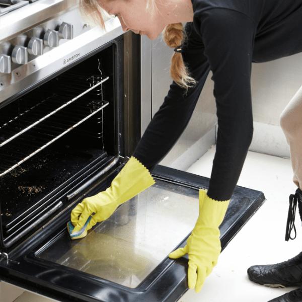 Миссия выполнима: как быстро и качественно отмыть духовку от жира