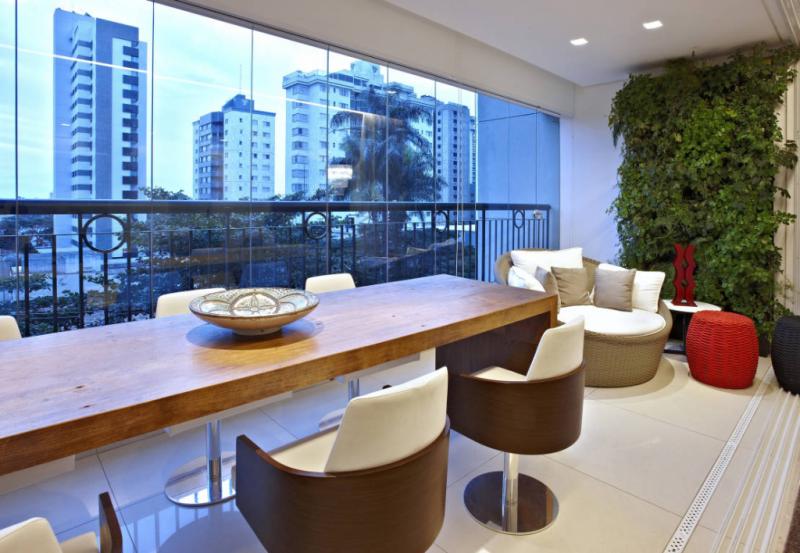 Дизайн кухни с выходом на балкон: лучшие идеи планировки, утепление и выбор функциональной мебели