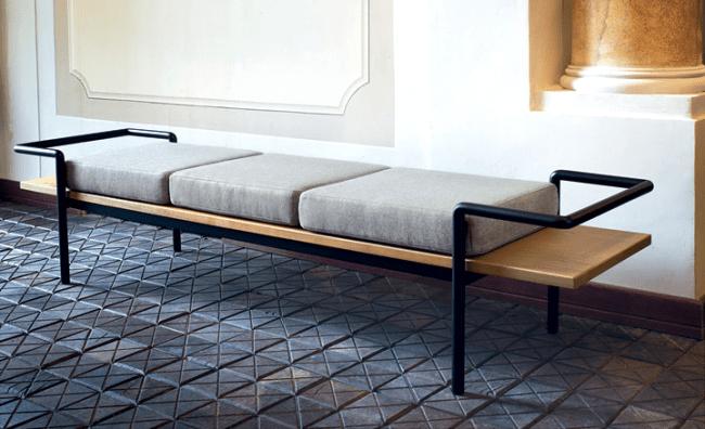 Комфорт с первого шага: как выбрать идеальную банкетку с сиденьем в прихожую?