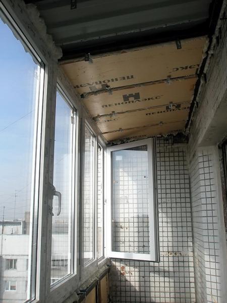 Остекление балконов с выносом: современные способы и технологии