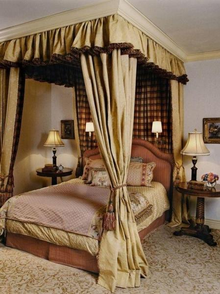 Очаровательные спальни с пологом