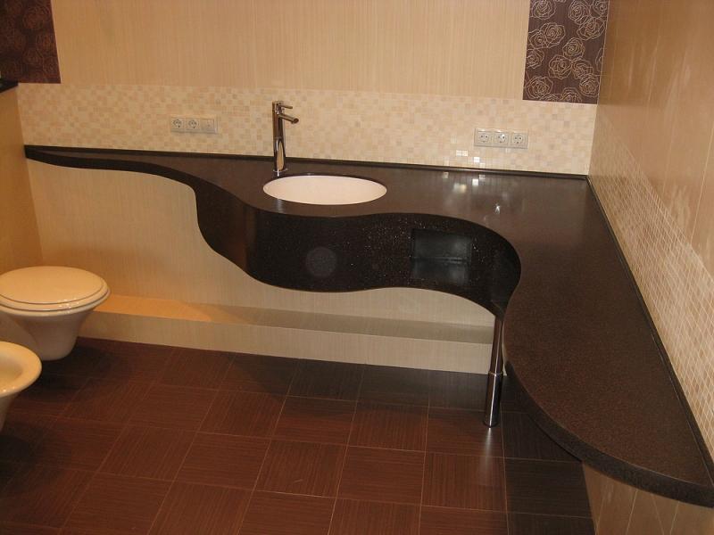 Разнообразие столешниц под раковину в ванную комнату