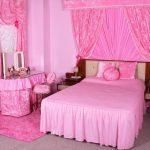 Все особенности спальни в розовых тонах