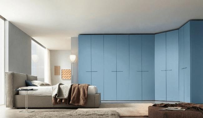 Угловой шкаф в спальню: обзор современных моделей в интерьере и рекомендации по выбору