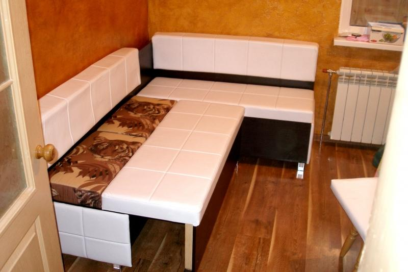 Каким должен быть диван на кухню
