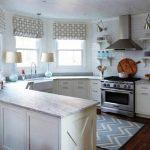 Сильные стороны и недостатки дизайна кухни с эркером