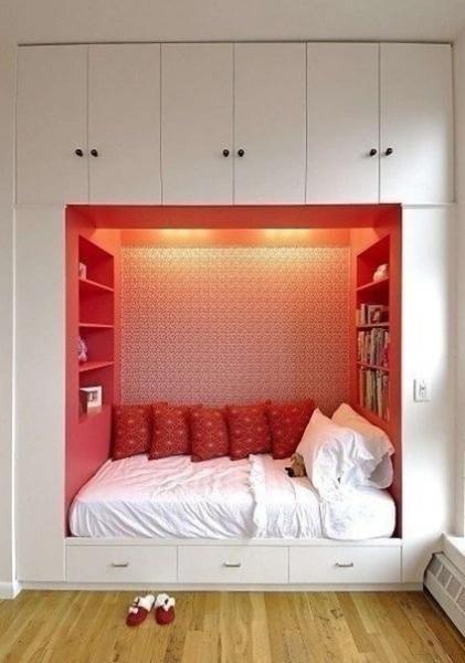 Компактное решение экономии места в однокомнатной квартире