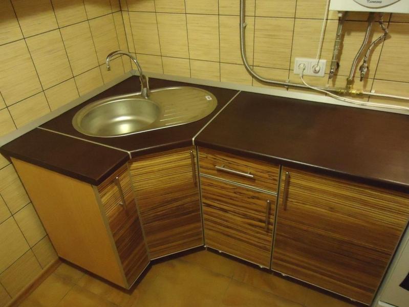 Как выбрать мойку с тумбой для кухни?