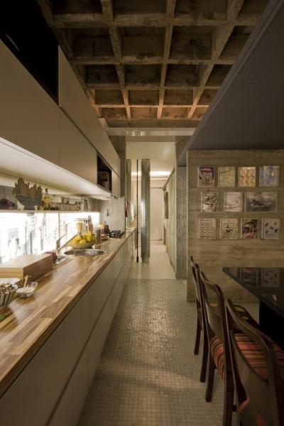 Дизайн-проект квартиры от Piratininga Arquitetos Associados в Сан-Пауло, Бразилия.