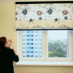 Все о том, как крепятся римские шторы к пластиковому окну