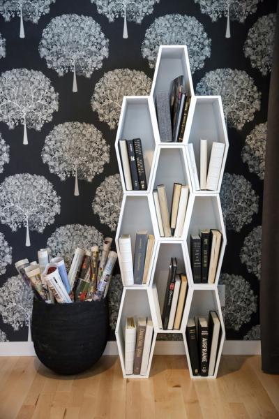 Идеи хранения книг в интерьере