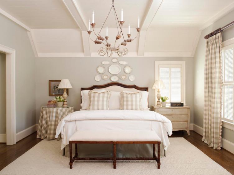Как правильно расположить кровать в спальне