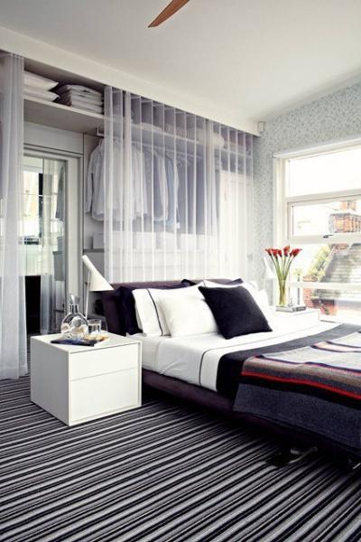 Идея для хранения одежды в спальне