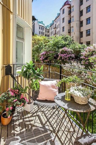 Летние террасы и балконы: несколько фото-идей для вдохновения