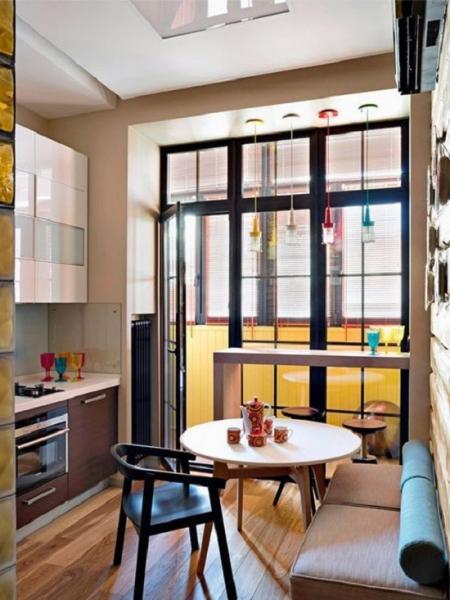 Маленькая кухня: несколько удачных примеров + советы по оформлению