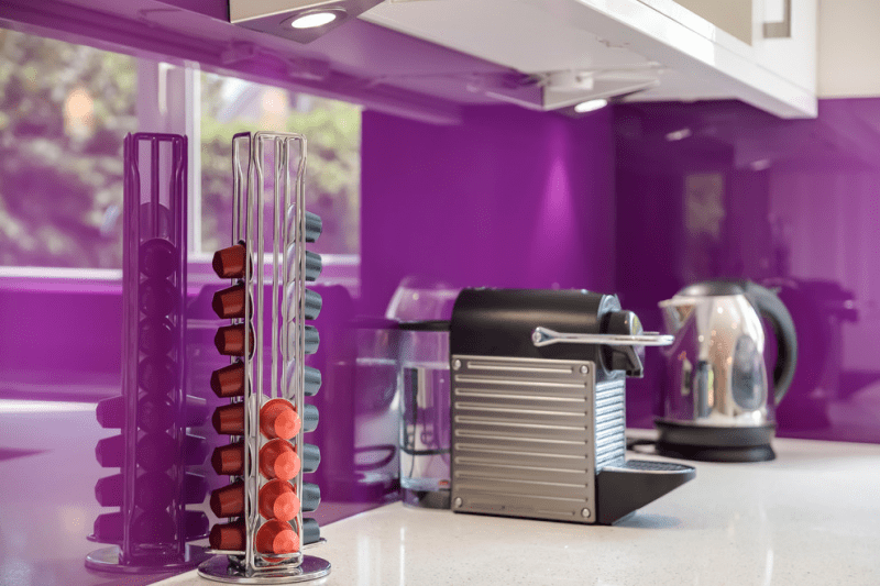 Фиолетовая кухня (90 фото): выбор дизайнеров — фиолетовые тона для кухни и лучшие сочетания цветов