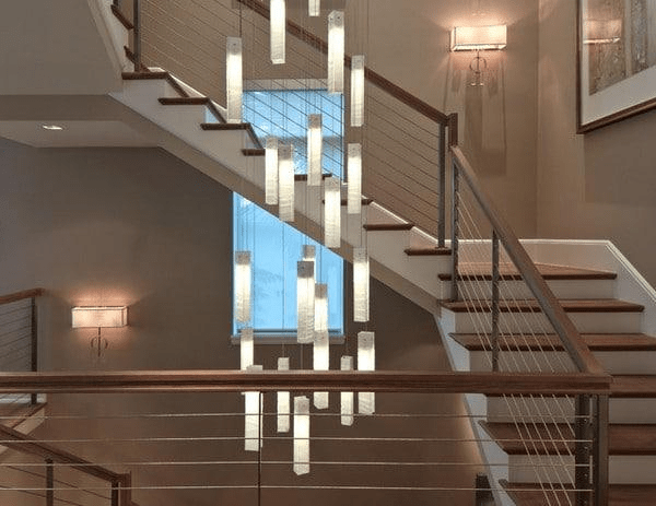 Роскошные люстры в лестничный проем