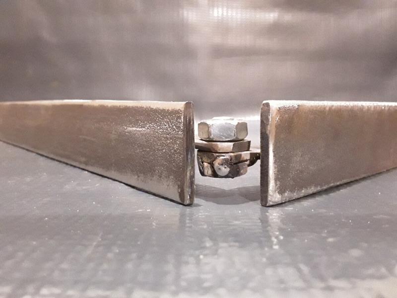 Шаблон-кондуктор для разметки и сварки непрямых углов.