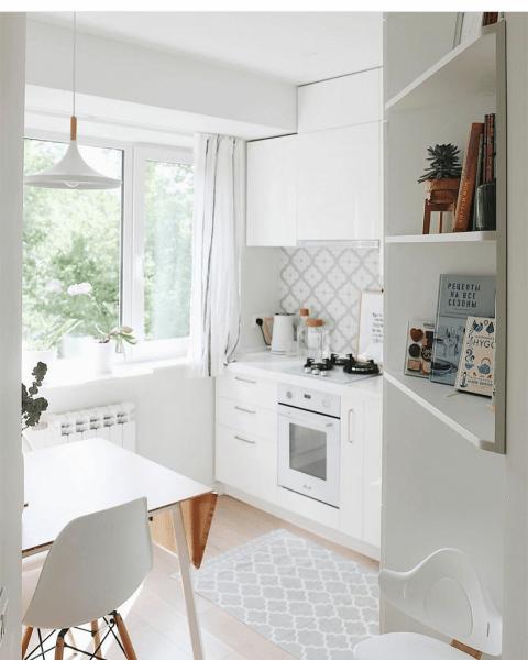 Светлая и воздушная кухня на 5 квадратных метрах
