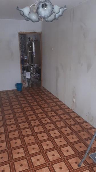 Сделал желтую комнату по желанию заказчика. Фото до и после