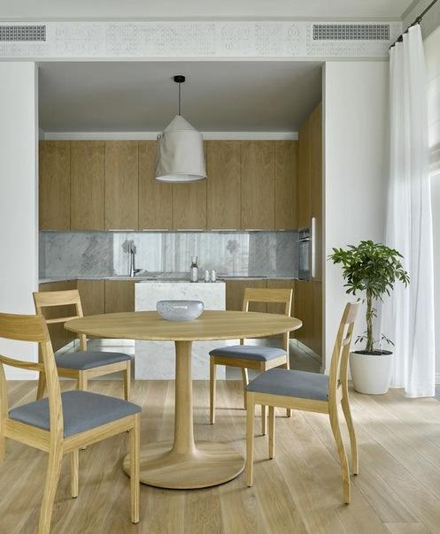 Воздушный интерьер квартиры в Москве для художницы Марии Колосовской