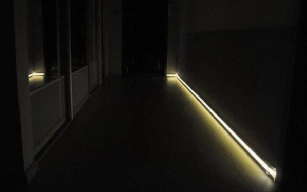 Подсветка плинтуса. Классная идея для ремонта
