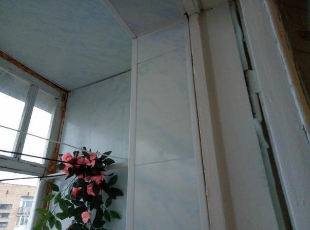 Как можно утеплить балконную дверь: дёшево и сердито