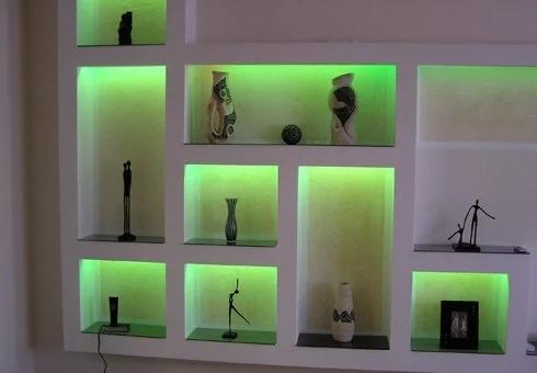 Светодиодная лента, как яркий элемент декора в интерьере: 7 необычных способов применения