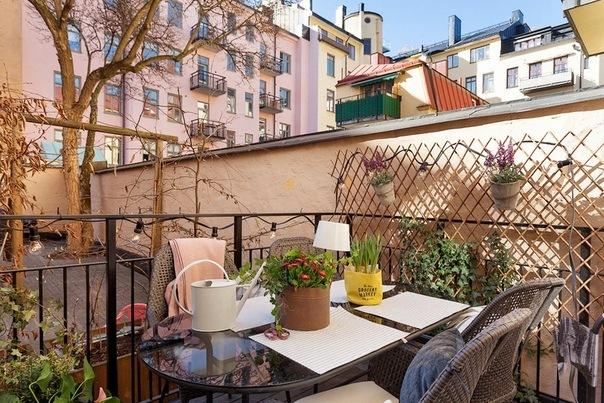 Ах, какая светлая квартира: здесь хочется жить! Просторная квартира с арочными окнами и хорошей планировкой: скандинавский стиль