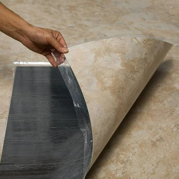 Не клею кафель на пол — глупая трата сил и времени: рассказываю чем заменил керамическую плитку в ванной