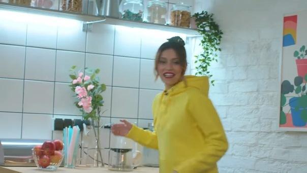 Дом, где живет Регина Тодоренко: поддельные комнаты, магнитики из разных стран и легкий беспорядок