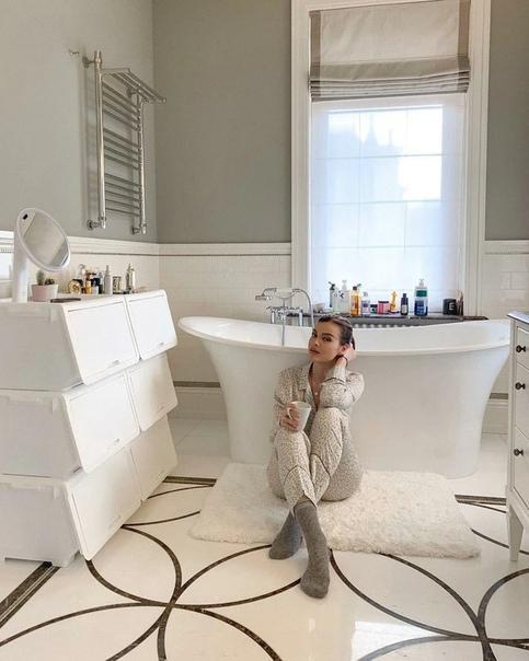 Изысканный особняк Елены Темниковой: 3 особенности интерьера, которые пригодятся при любом ремонте