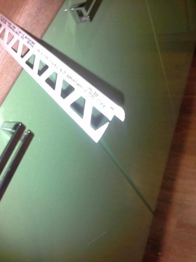 Говорят, что уголок для плитки - это прошлый век, но я все равно его использовал, показываю почему