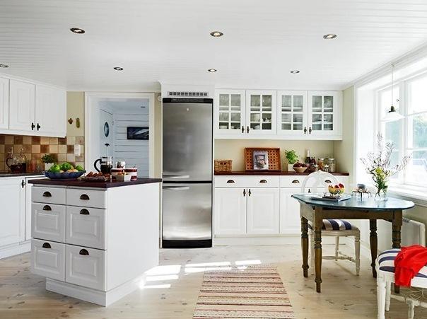 В 1 этаж традиционный шведский дом: компактный, простой, удобный. Как имея низкие потолки, маленькие окна сделать дом уютным