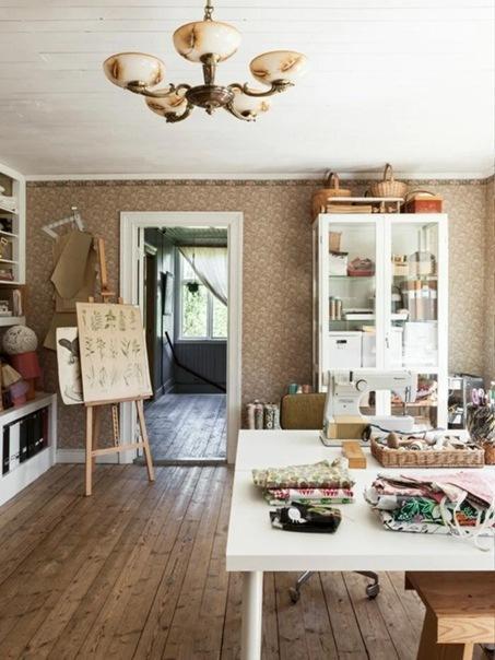 Мечта швеи и стеклодува: превращение старого деревенского магазина в дом мечты. Интерьер дома семьи с 4 детьми