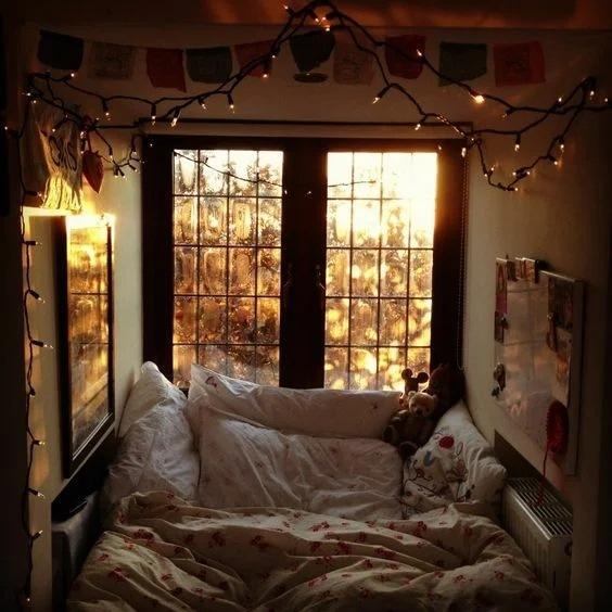 Как создать в квартире парижский балкон: 8 лайфхаков от дизайнера