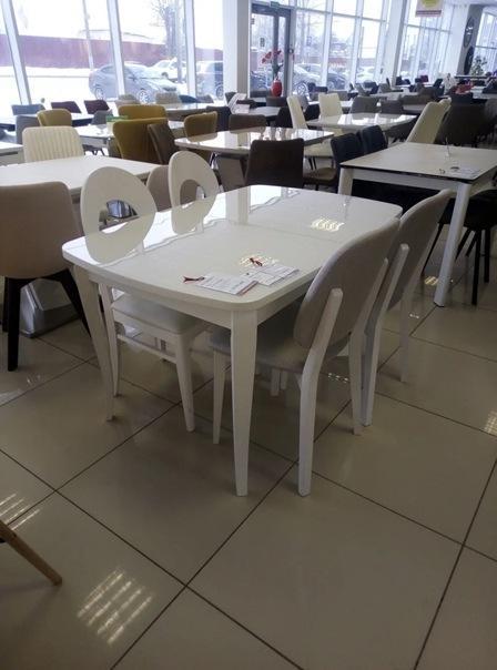 Стол на кухню – не торопитесь покупать дорогой. В соседнем магазине найдете точно такой же, только вдвое дешевле