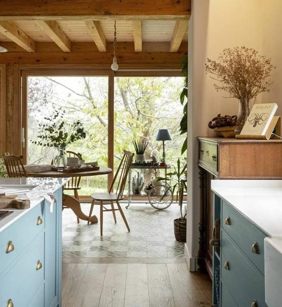 Деревенский стиль (рустик) в доме: современный стиль на контрасте с грубым деревом, элегантность и уют, душевность