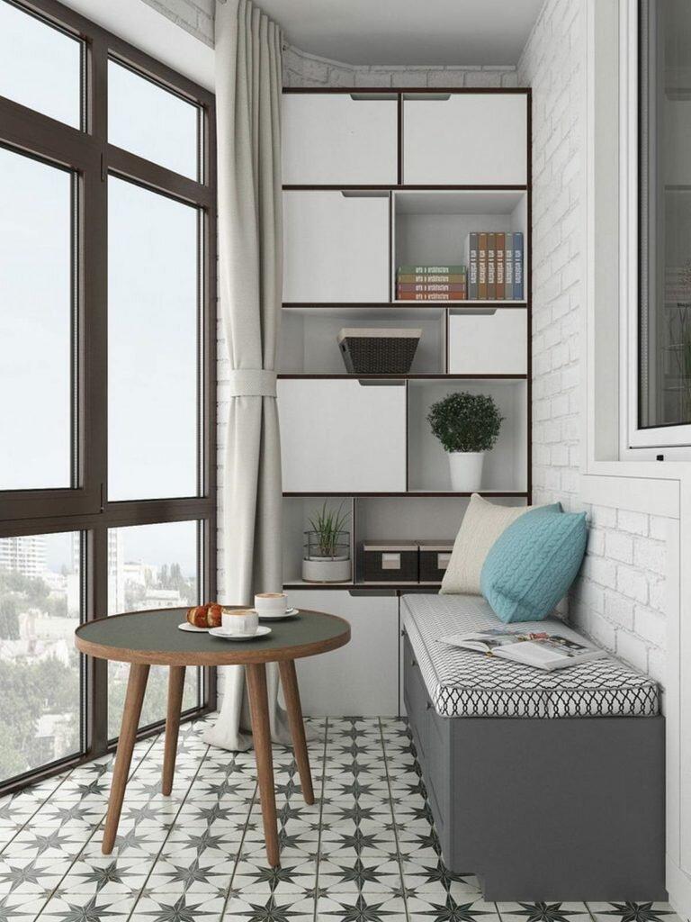 На 28 кв.м. - кухня, спальня, прихожая и полноценное рабочее место. Стильная студия с хорошей организацией хранения
