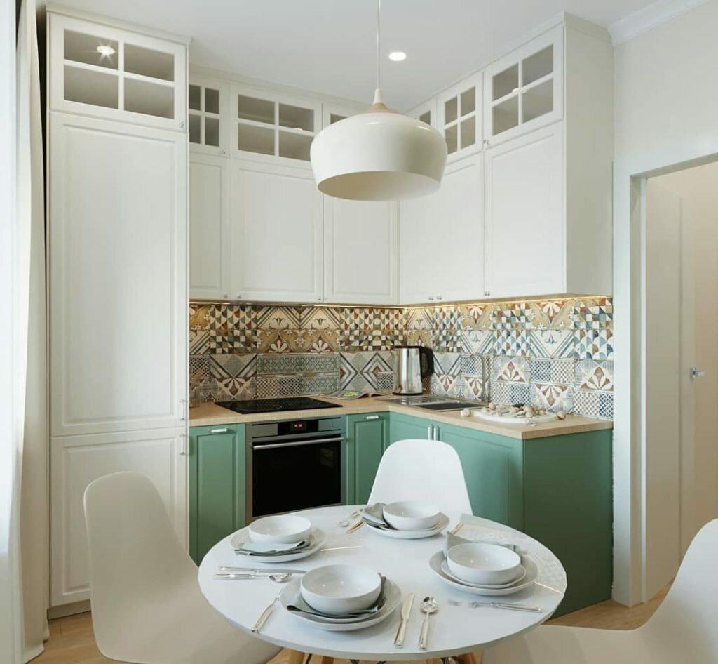 На 35 кв.м. - гостиная, спальня, кухня, ванная и прихожая. Приятный и функциональный интерьер после перепланировки