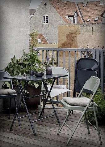 Почему не получается создать уютный уголок на балконе? 5 распространённых ошибок