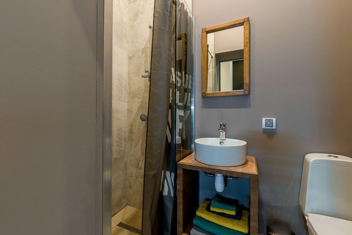 Идеальная квартира с настоящим мужским интерьером на 18 квадратных метрах!