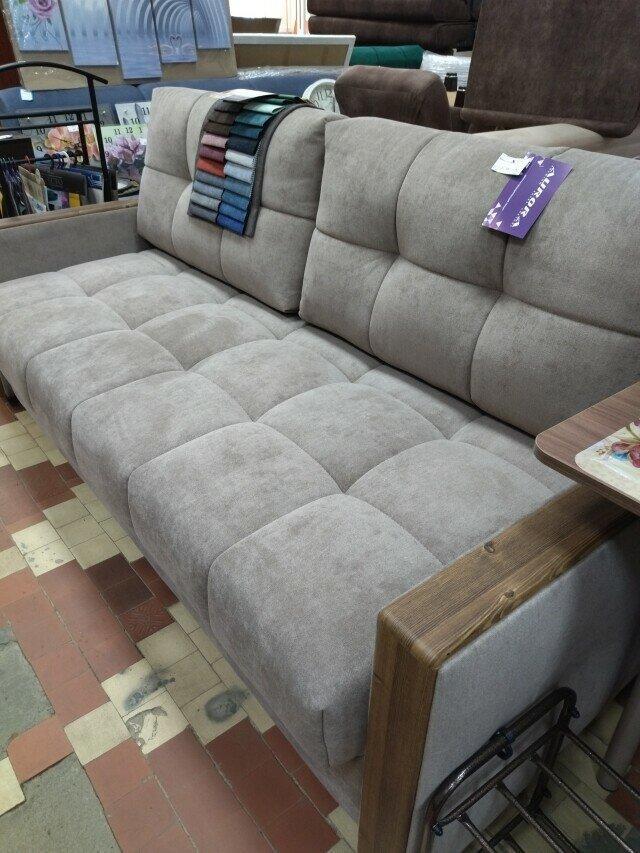 Дочь хочет в комнату диван со съемными подушками – вот что нашлось в нашем магазине