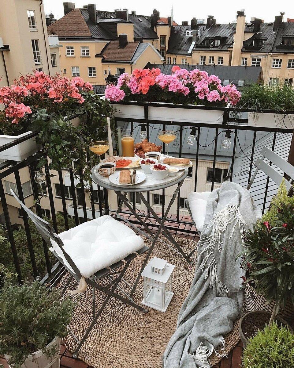 6 классных идей для оформления балкона из зарубежных интерьеров