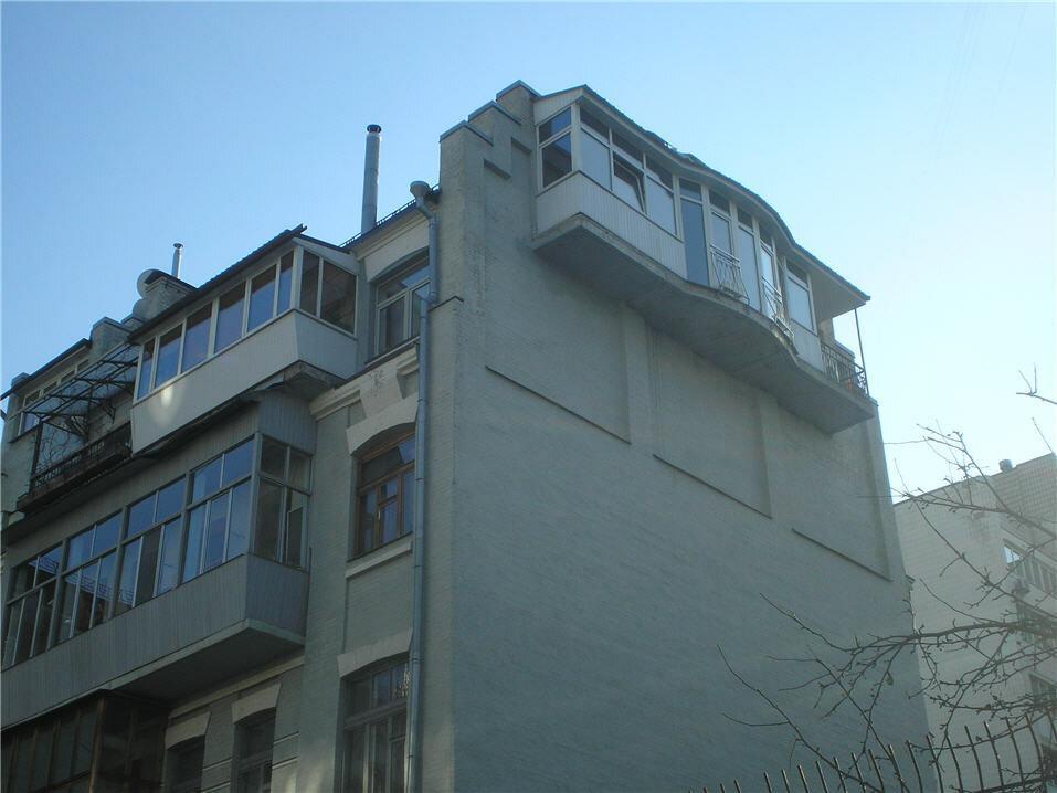 7 удивительных балконов, при виде которых испытываешь стыд