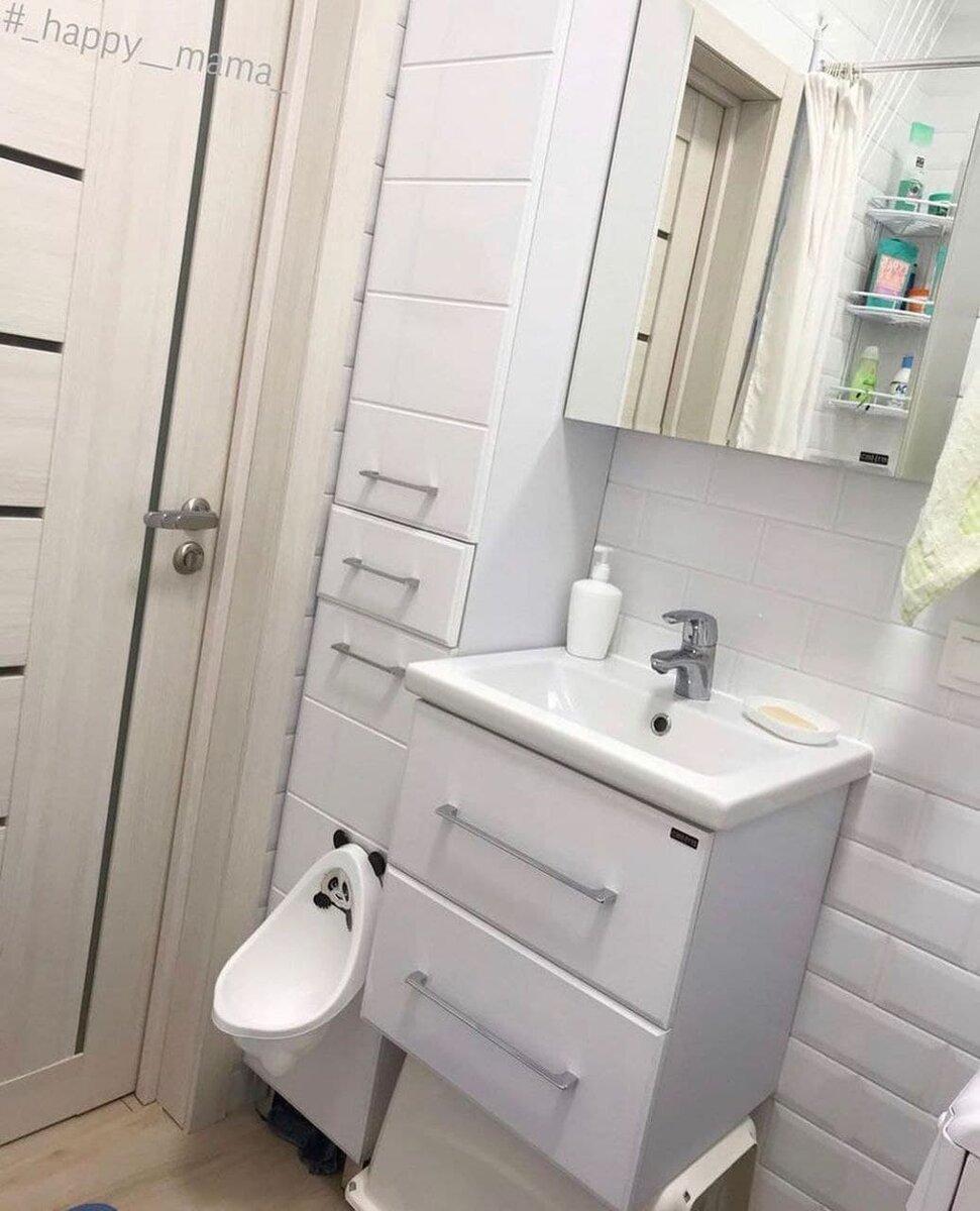 Малюсенькая, но грамотно продуманная ванная комната на 3 квадратных метрах