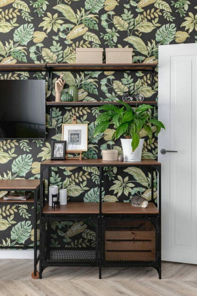 Растительные мотивы, зеленые акценты и черно-белые контрасты. Оригинальный интерьер трешки на основе ИКЕА