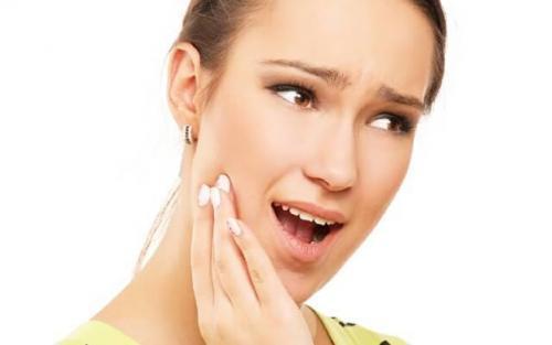Основы применения йодоформной турунды после удаления зуба. Что кладут в лунку после удаления - тампон или ватный тампон?