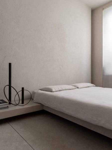 Аскетичная квартира дизайнера Генри Тими, 120 м²