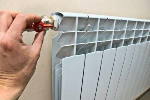 Батареи в панельных домах. По каким параметрам выбирать радиаторы для квартиры